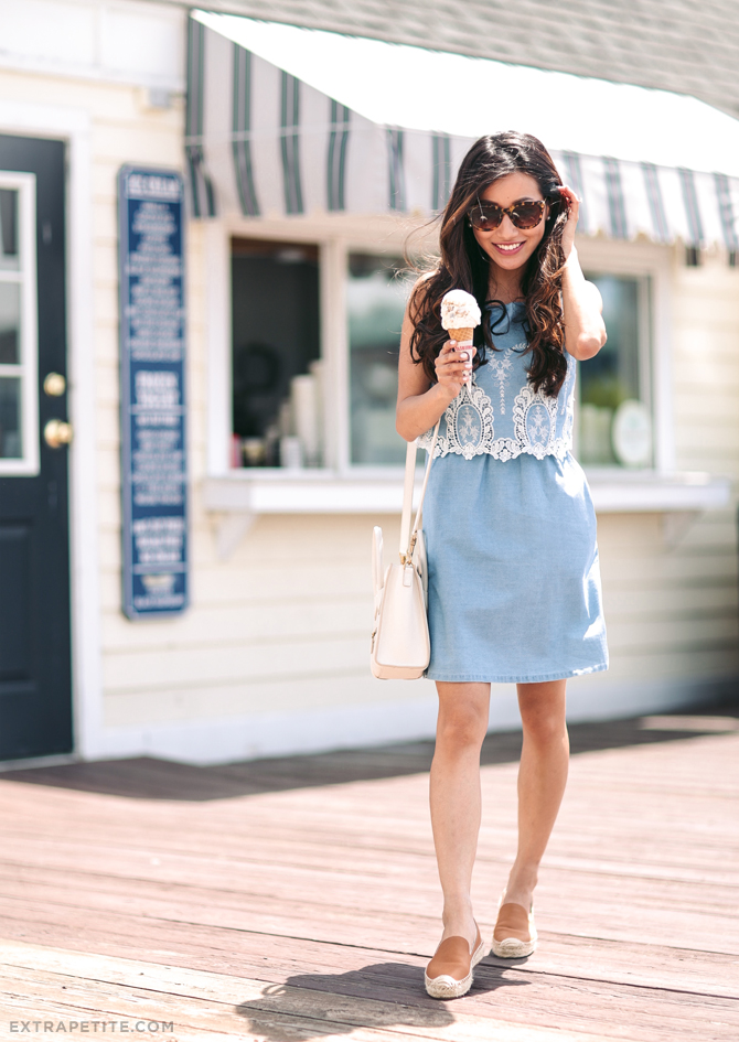 petite fashion_chambray dress summer casual outfit