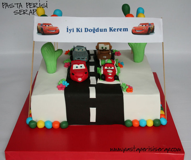 CARS 2 BIRTHDAY CAKE