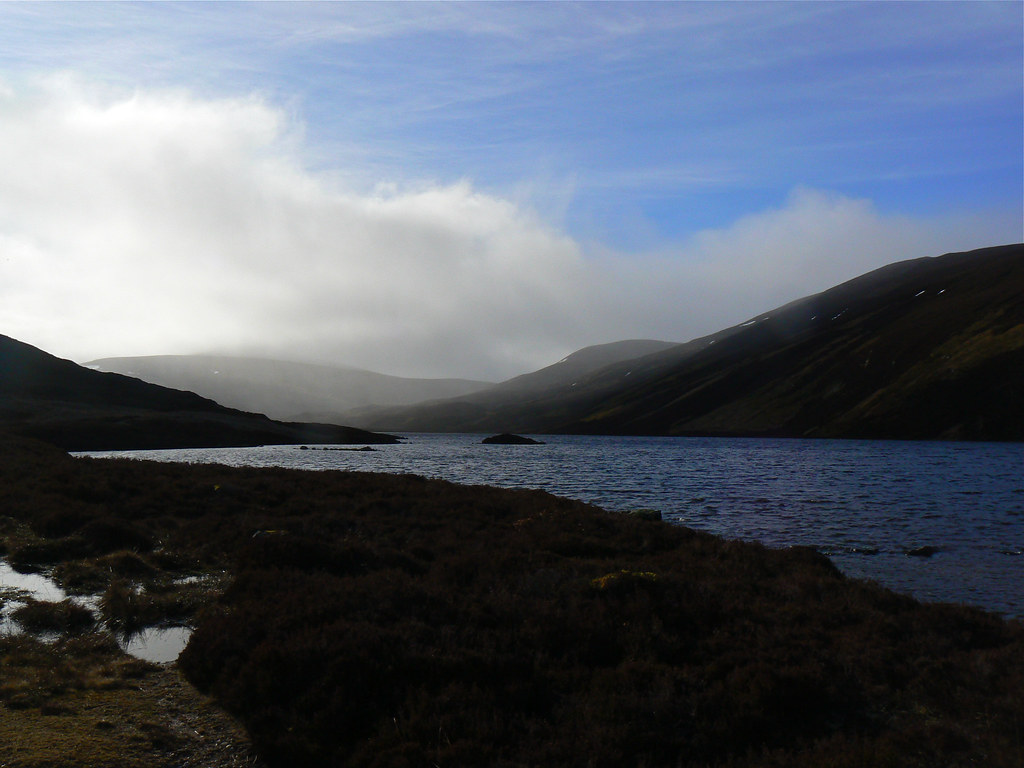 Mist and showers over the Gairn