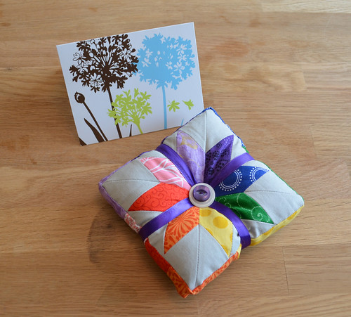 Bee a {modern} Swapper - Beautiful pincushion for me