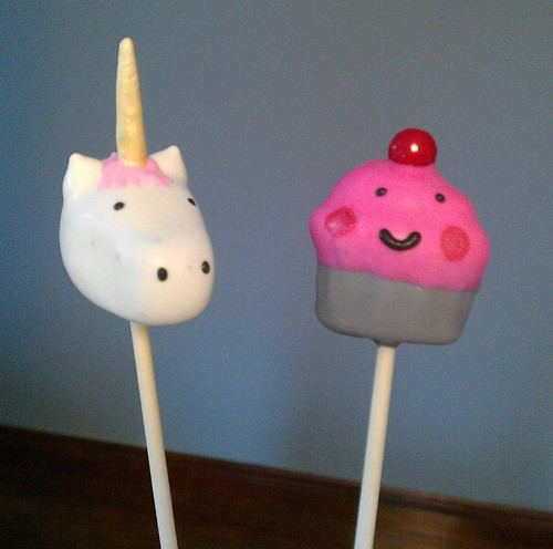 Cake Pops by One Wild Strawberry