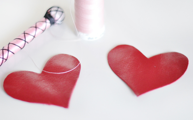DIY leather heart keychain -5