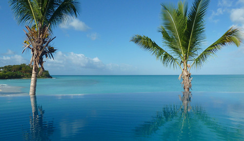 Cocobay Infinity Pool
