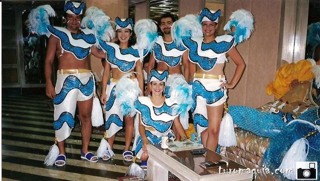 Desfilando escola de samba - Rio de Janeiro