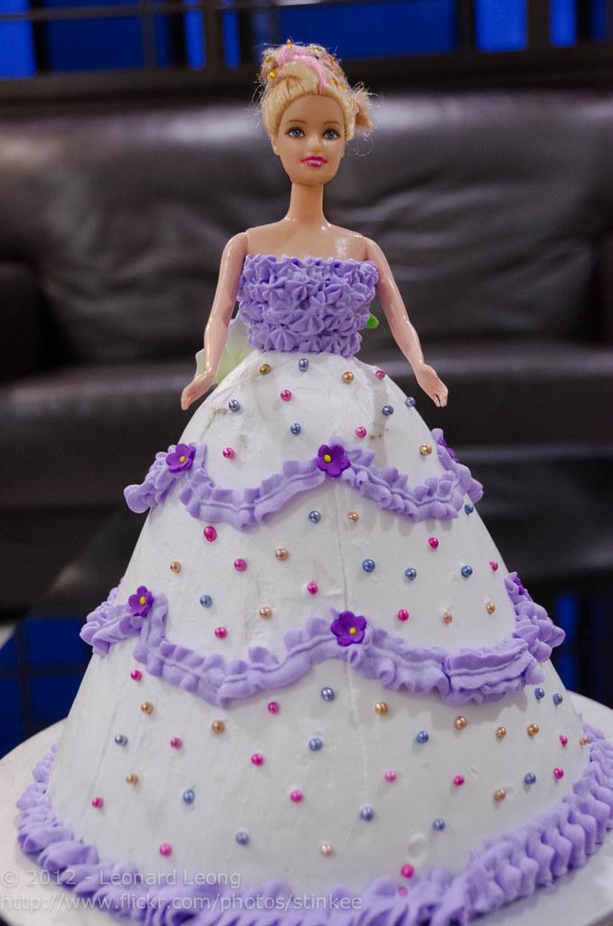 Erins Barbie Doll Birthday Cake
