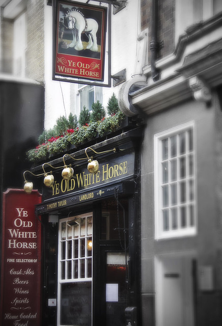 Pub - Ye Old White Horse