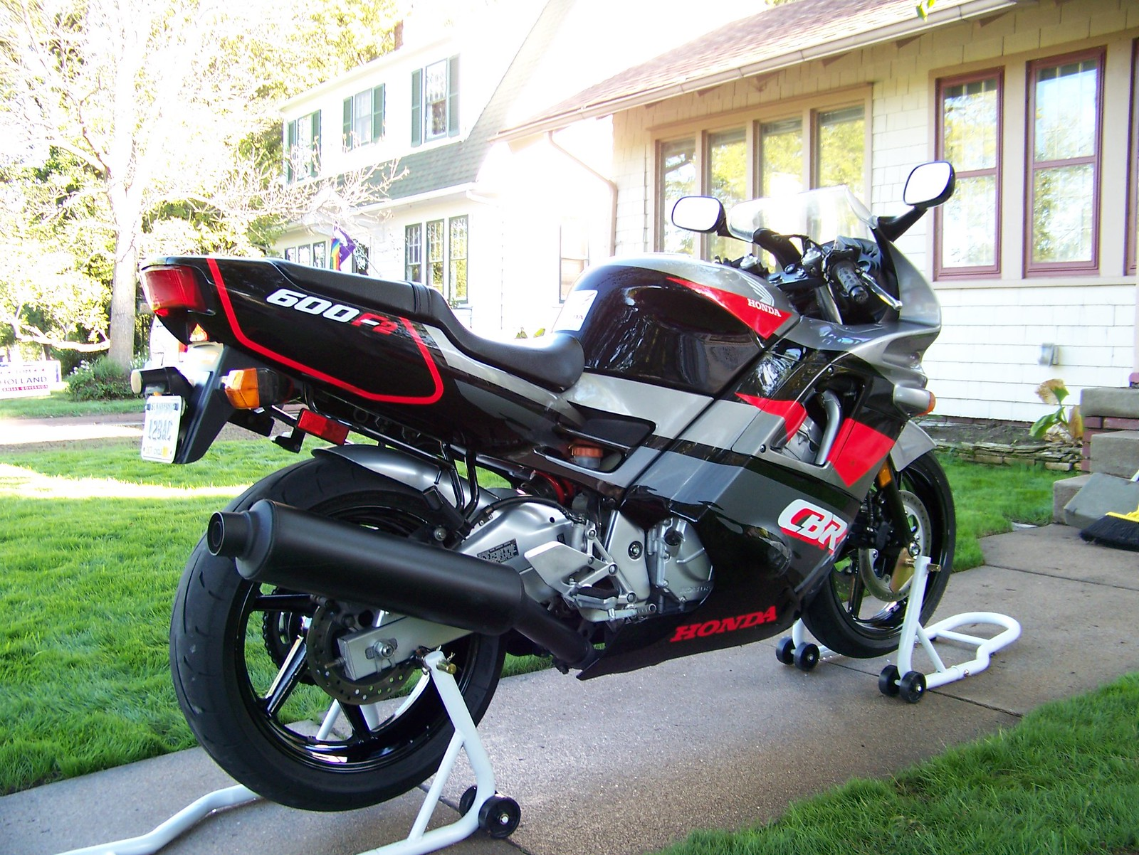 Change to gravity fed fuel? - CBR Forum - Enthusiast forums for
