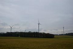 Ferme éolienne le long de la N40