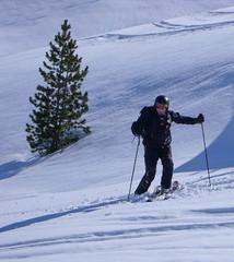 Jarek testuje swiezy śnieg