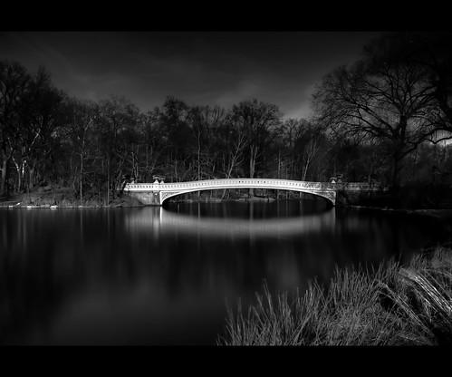 nyc longexposure bridge winter centralpark d200 bowbridge theboathouse yougottahavepark merrillclark wanilton pirothechnicsobreorio pirotecnicosobreorio