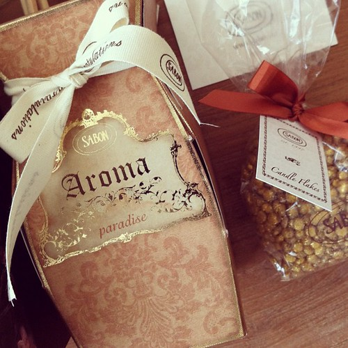 Aroma Paradise & Candle Flakes