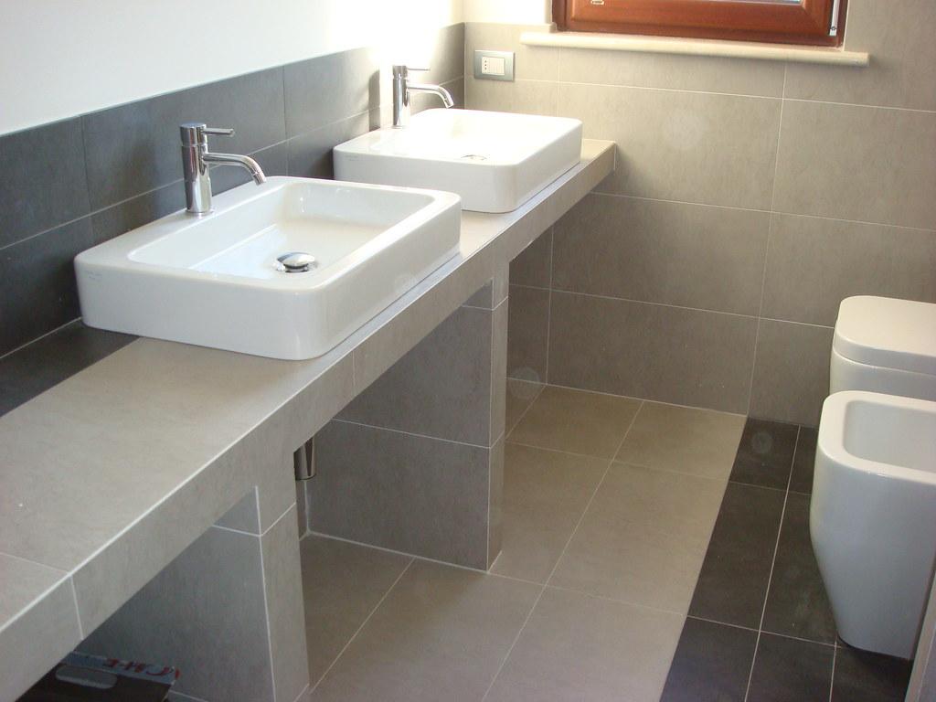 lavabi d\'appoggio su piano in muratura | morciano | Flickr