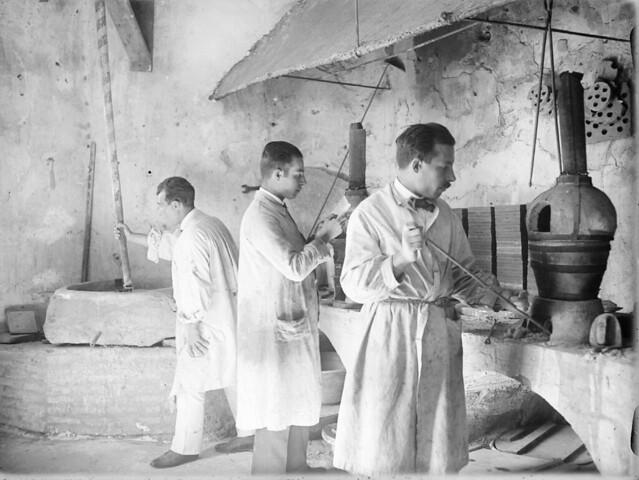 Fábrica de cerámica en Toledo en los años 20. Detalle de una Fotografía de Otto Wünderlich. © Fototeca del Patrimonio Histórico