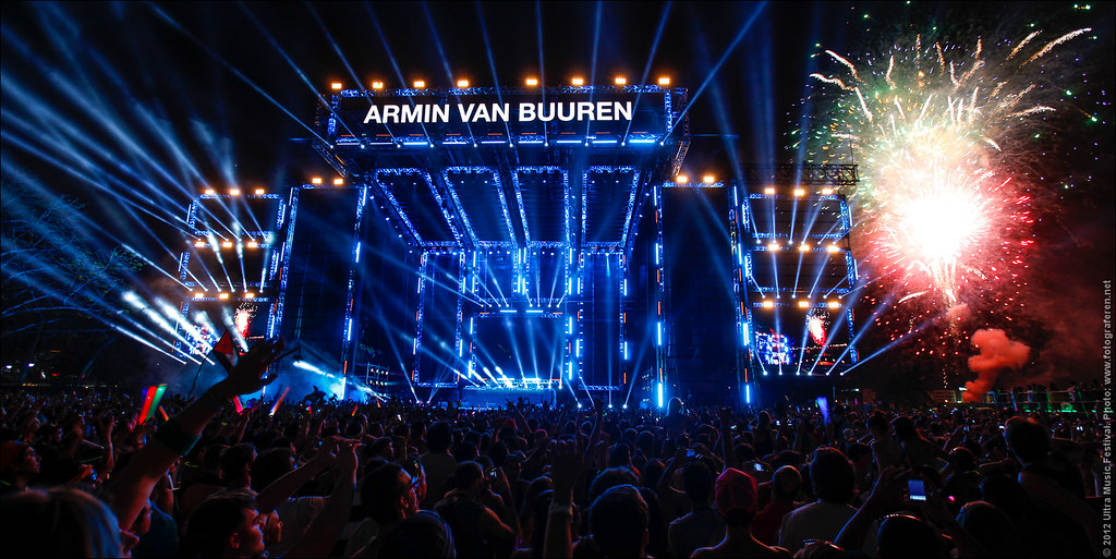 101. That's it! Armin van Buuren shutting down the mainstage of Ultra Music Festival 2012