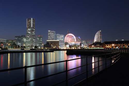 longexposure nightphotography japan canon reflections eos dock 日本 yokohama dslr bigwheel kanagawa 横浜 landmarktower queenssquare sakuragicho ランドマークタワー 神奈川県 桜木町 60d counteragent intercontinentalhotelyokohama さくらぎちょう サクラギチョウ panpacifichotelyokohama