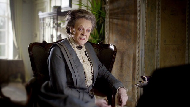 DowntonAbbeyS01E02_VioletDarkGrey