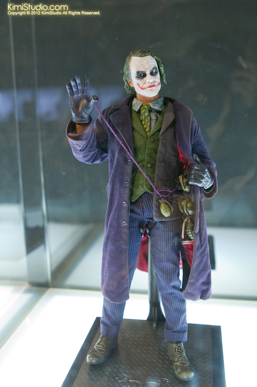 2011.11.12 HOT TOYS-021