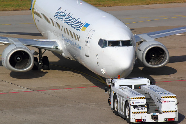 Ukraine International - B734 - UR-GAX (2)