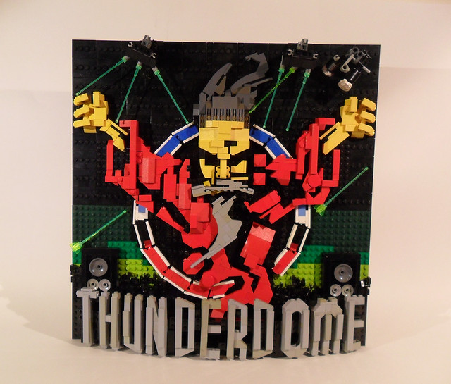 ID&T THUNDERDOME FRONT&blacklight