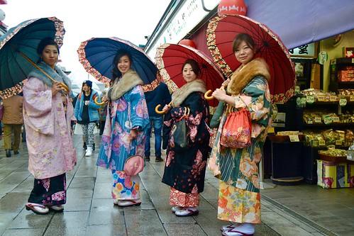 Japonesas de Kimono em Asakusa - Tóquio