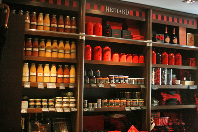 There are close to a thousand items in the Hediard Boutique!
