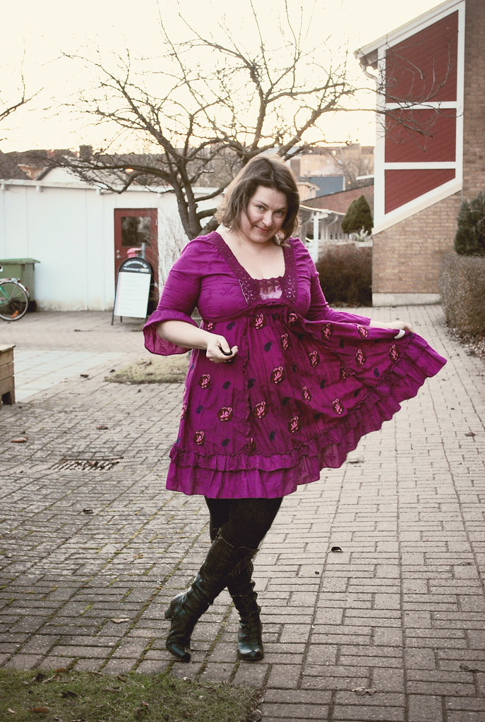 taradiddle dress royal