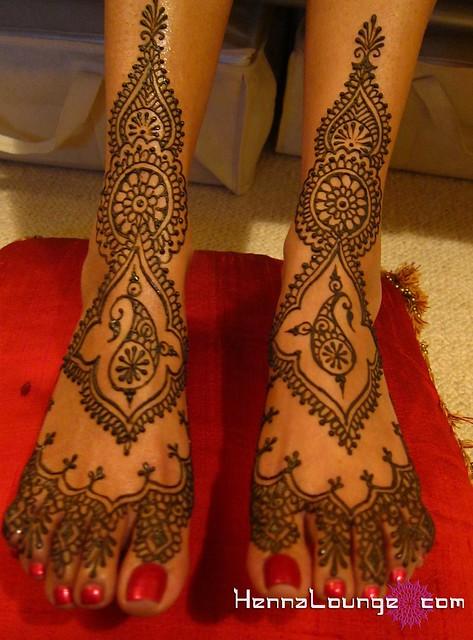 Janaki's mehndi feet