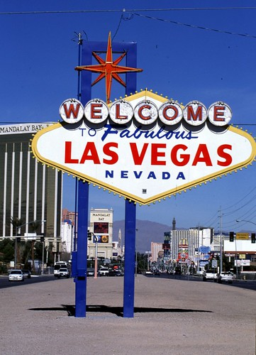 Las_Vegas_Sign_II-1