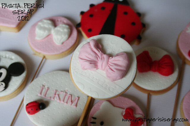 minnie mouse  birthday cookie
