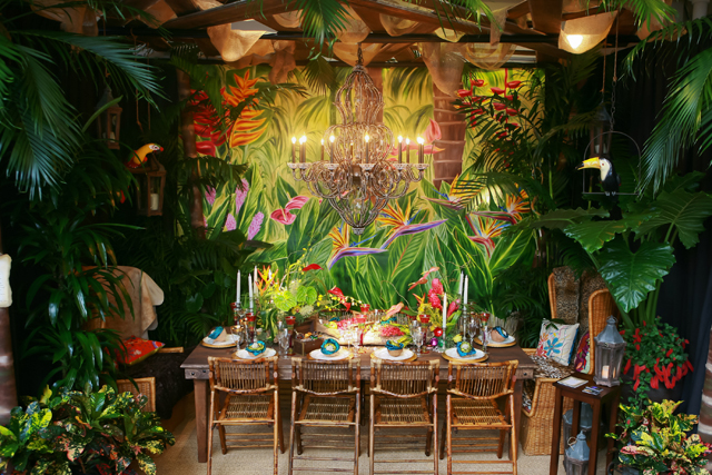 6906925823 2e9399c06b z Always a Feast for the Eyes: DIFFA's Dining by Design