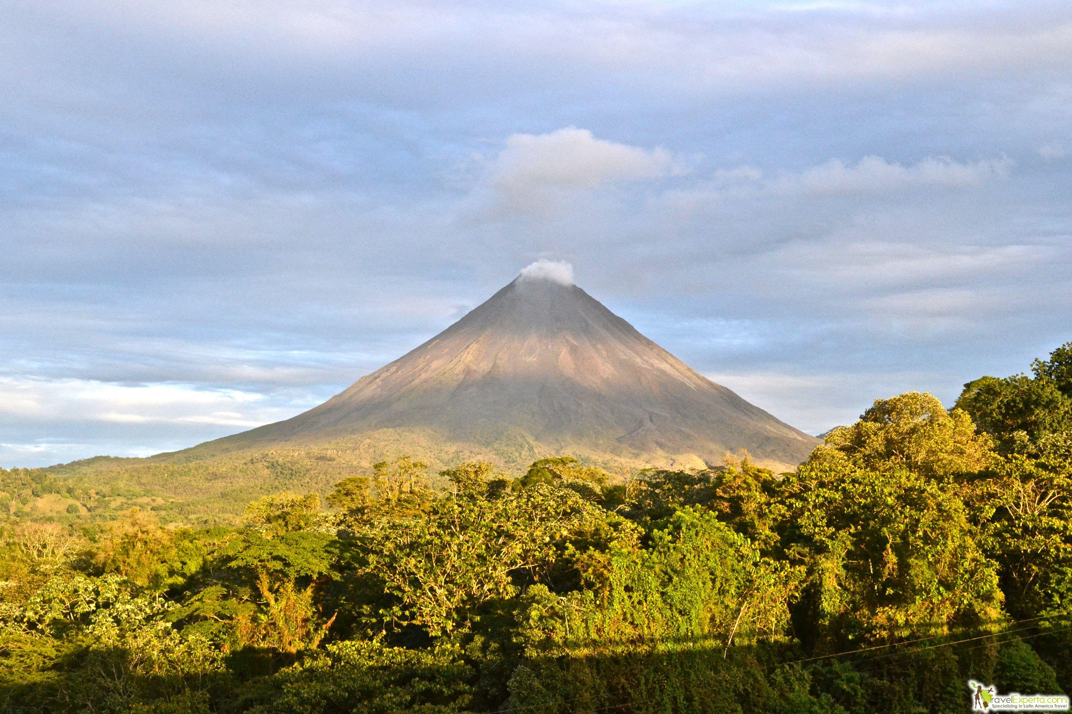5 Most Active Volcanoes of Costa Rica - Arenal volcano