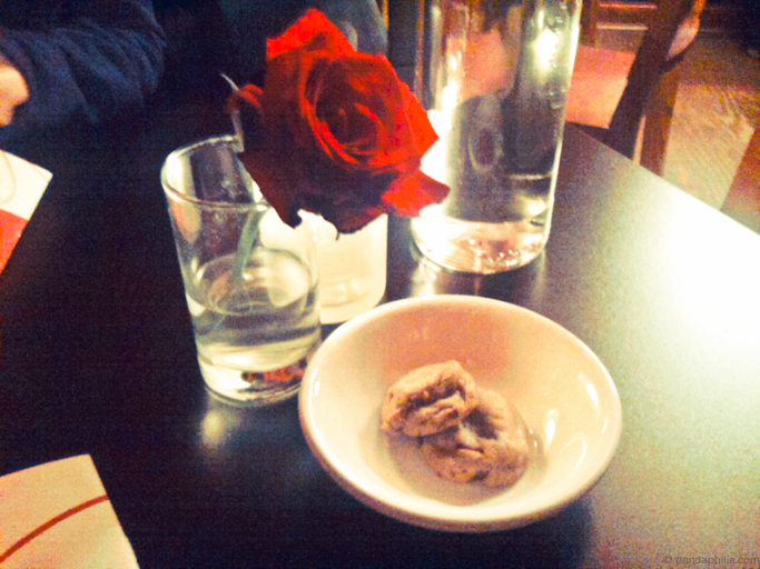 starters: rose and mini cookies