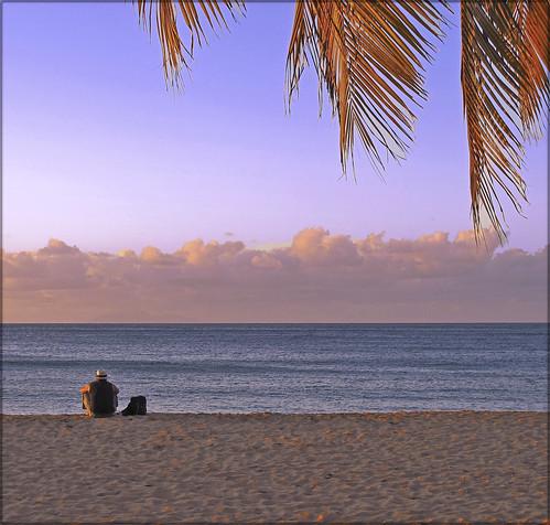 sunset mer france silhouette sable ciel nuages plage guadeloupe antilles caraïbes basseterre finegold grandeanse soleilcouchant lo46 flickrgoldaward photographyforrecreationeliteclub 10visionaryartsgalleryelitehonorsaward