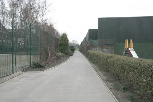 Path down to the main park
