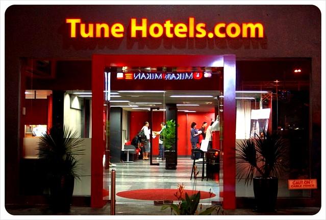 Tune hotel kuala lumpur at night