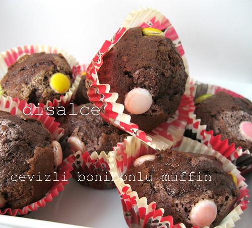 cevizli kakaolu bonibonlu muffin