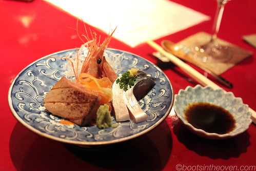 assorted sashimi (otoro, ebi, mackerel)