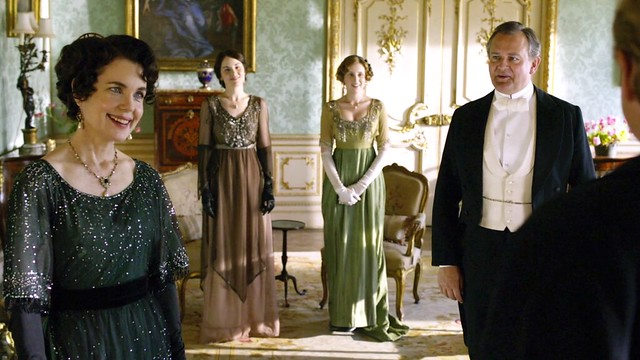 DowntonAbbeyS01E06_CoraDarkglittery