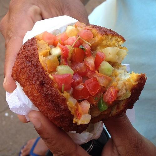 Vai um #acarajé ?  #delicia da #culinária #baiana #intrabartolo #fotograforibeiraopreto #voluntários #una #bahia