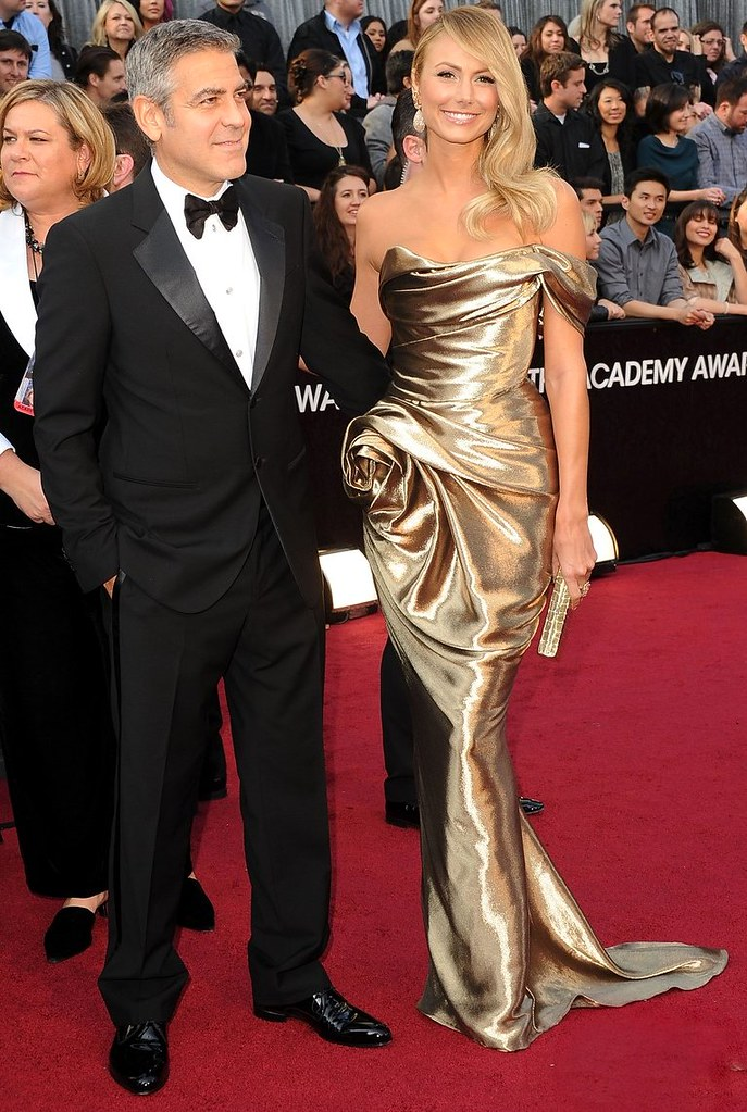 george-clooney-stacy-keibler-oscars-2012