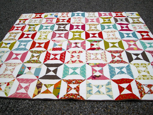Wonderland double hourglass quilt