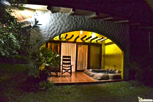 jacuzzi private garden hotel in arenal la fortuna costa rica