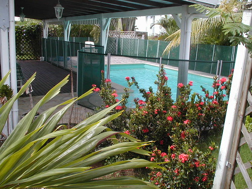 Magasin piscine ducos fbe antilles hydro sud for Piscine hors sol martinique