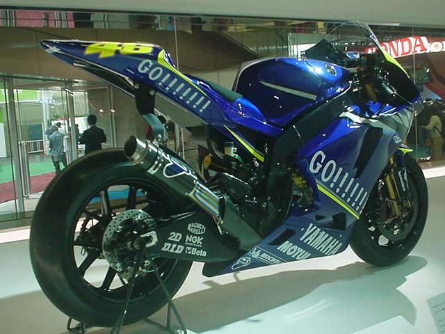 2005 YAMAHA YZR-M1 (OWP4) #46 Valentino Rossi