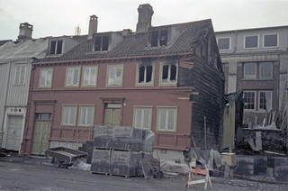 Sandgata 69-71 etter brannen (1979)