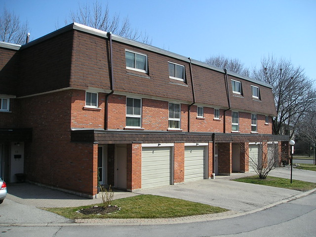 2395 Bromsgrove Rd Clarkson Mississauga Townhouse