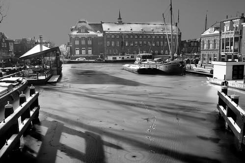 schaduwen op het ijs by hans van egdom