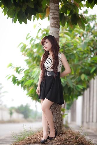 [フリー画像素材] 人物, 女性 - アジア, ベトナム人, 人物 - 樹木 ID:201202211400