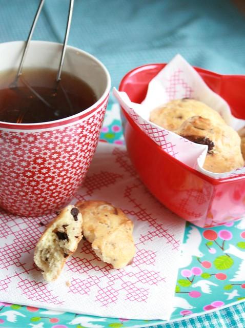 choco-almond scones