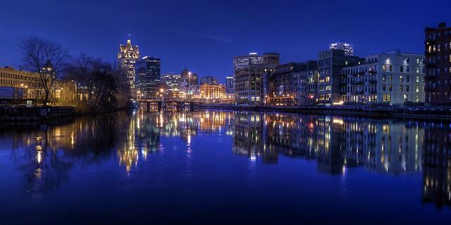 City on the Edge of Twilight